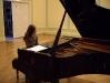 Mūsu skolēni Latvijas vispārizglītojošo skolu ar mūzikas profesionāli orientētā virziena programmas apguvi jauno pianistu mūzikas festivālā