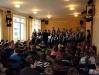 Zēnu kora koncerts skolā